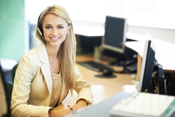bigstock-Business-Woman-Architect-In-Bu-82241420_upravene